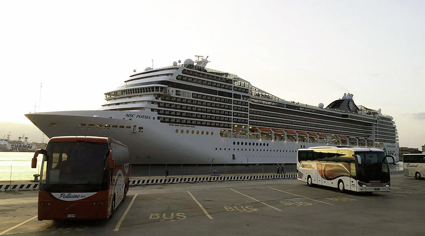 Msc Poesia porto di Messina